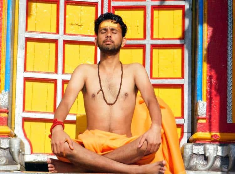 sadhu meditation at badrinath-6