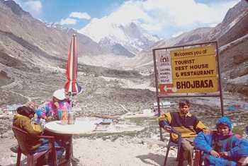 trekking in bhojbasa