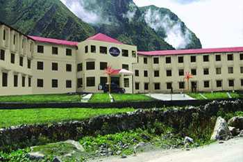 Chardham Hotels 1000/- Per Person Onwrds